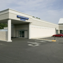 exterior-goodwill-donation-drive-thru