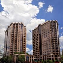 exterior-riverfront-plaza-hutton-_-williams